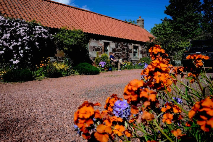A Homely East Lothian Cottage