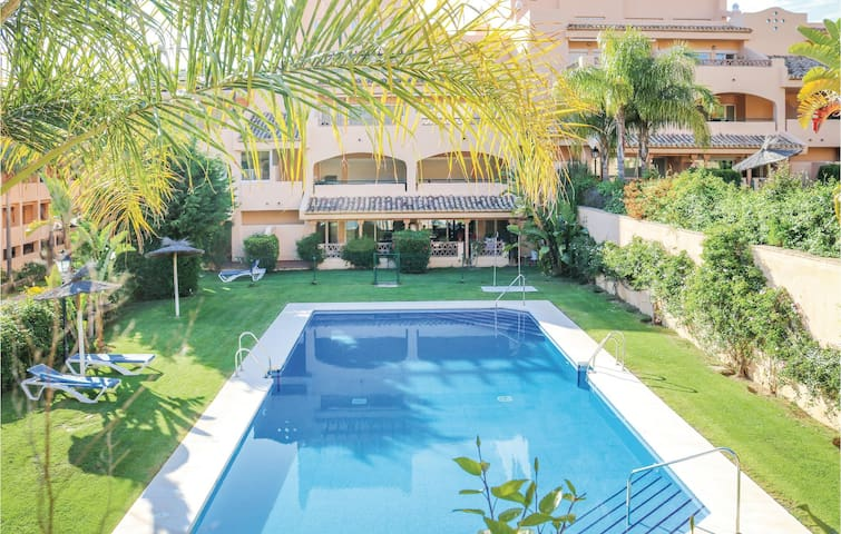 Holiday apartment with 2 bedrooms on 85m² in Marbella