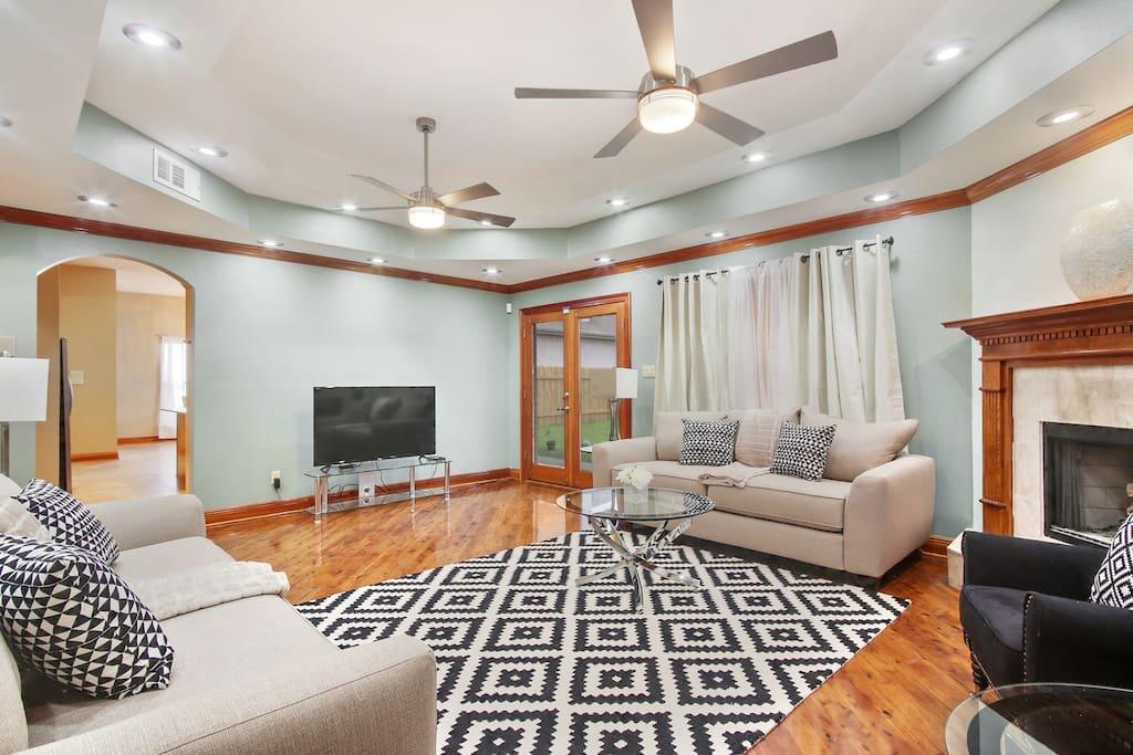Super Spacious Living Area