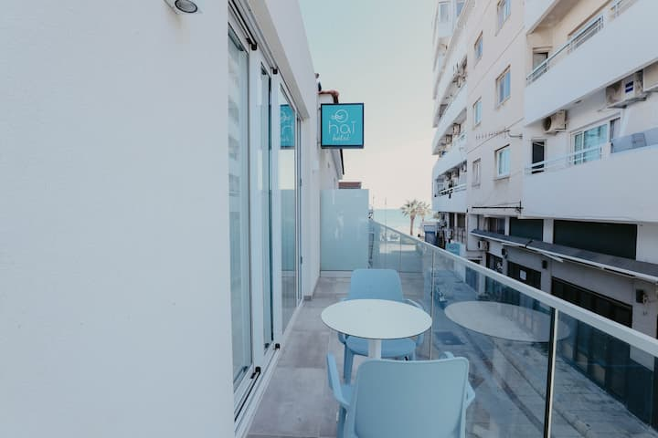 Double Room Side Sea View+ Balcony at Hai Hotel