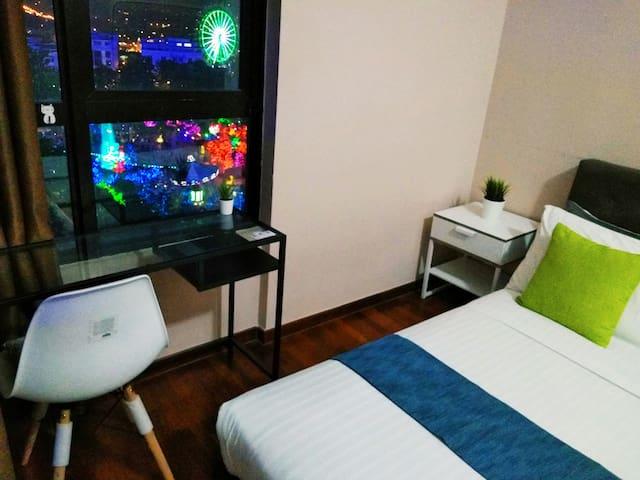 i-City I-SOHO Apartment FREE Wifi & Themepark View