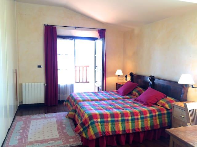 Casa en zona rural entre Bilbao y Vitoria - Izarra - House