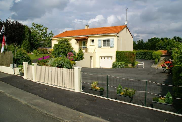 """""""La Charmille""""  à 12 mn du Puy du Fou - Les Châtelliers-Châteaumur - Apartament"""