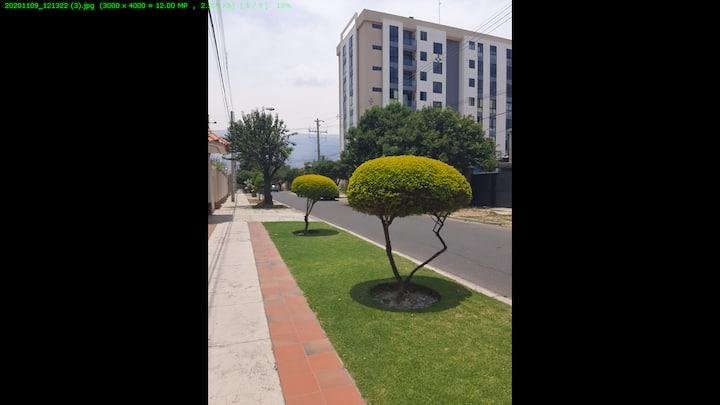 Alojamiento ideal en zona residencial y comercio
