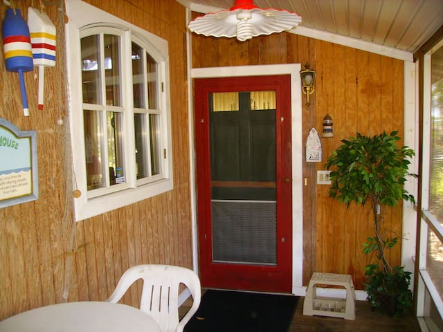 FLORIDA, (APT. CLOSE TO BEACH) - Englewood - Apartamento