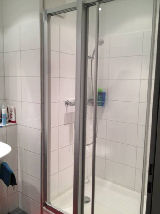 Badezimmer / Dusche - bathroom / shower