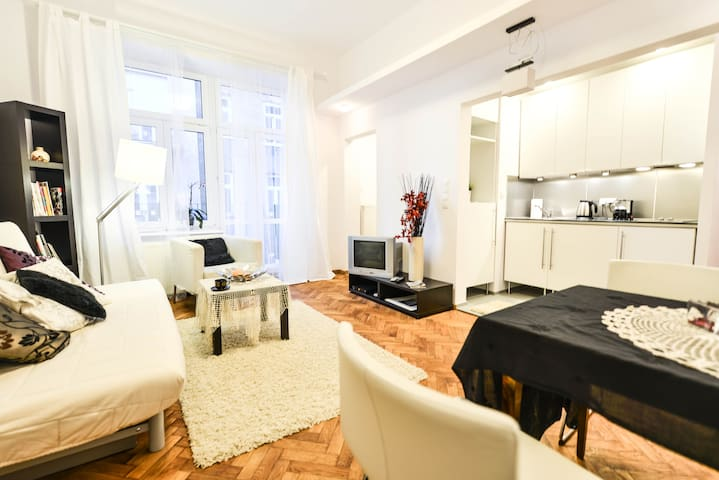 Flat in Central Warsaw.Sienna st. - Warschau - Appartement