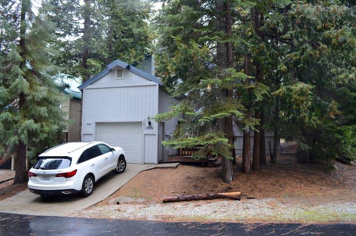 Silvertip Family Cabin - Shaver Lake - บ้าน