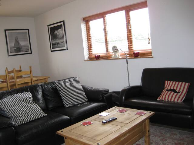 Cosy and full of character, near sandy beaches