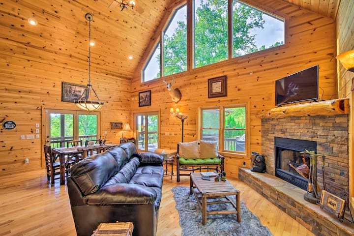 Murphy Mountain Home; Game Room, Porch, Views