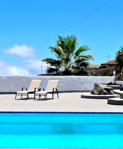 NICE COTTAGE IN AN AUTHENTIC FINCA WITH POOL