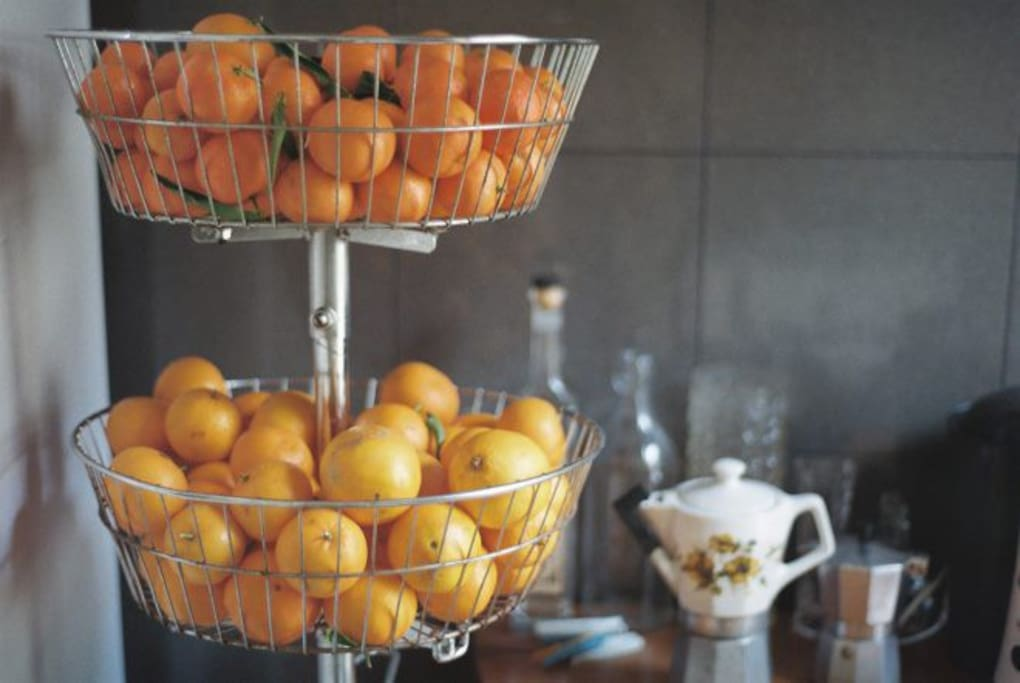 We always have fresh oranges for you to eat,make juice and cook :)