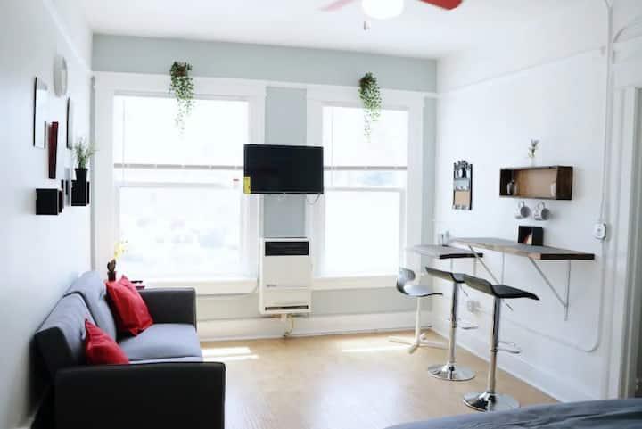*303-Designer studio