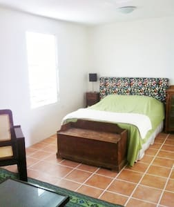 In-Town Vieques Apartment With View - Vieques - Apartment