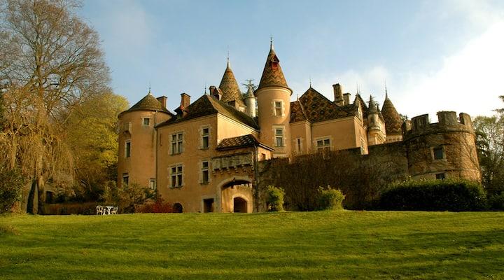 Count La Vernette Suite, good views