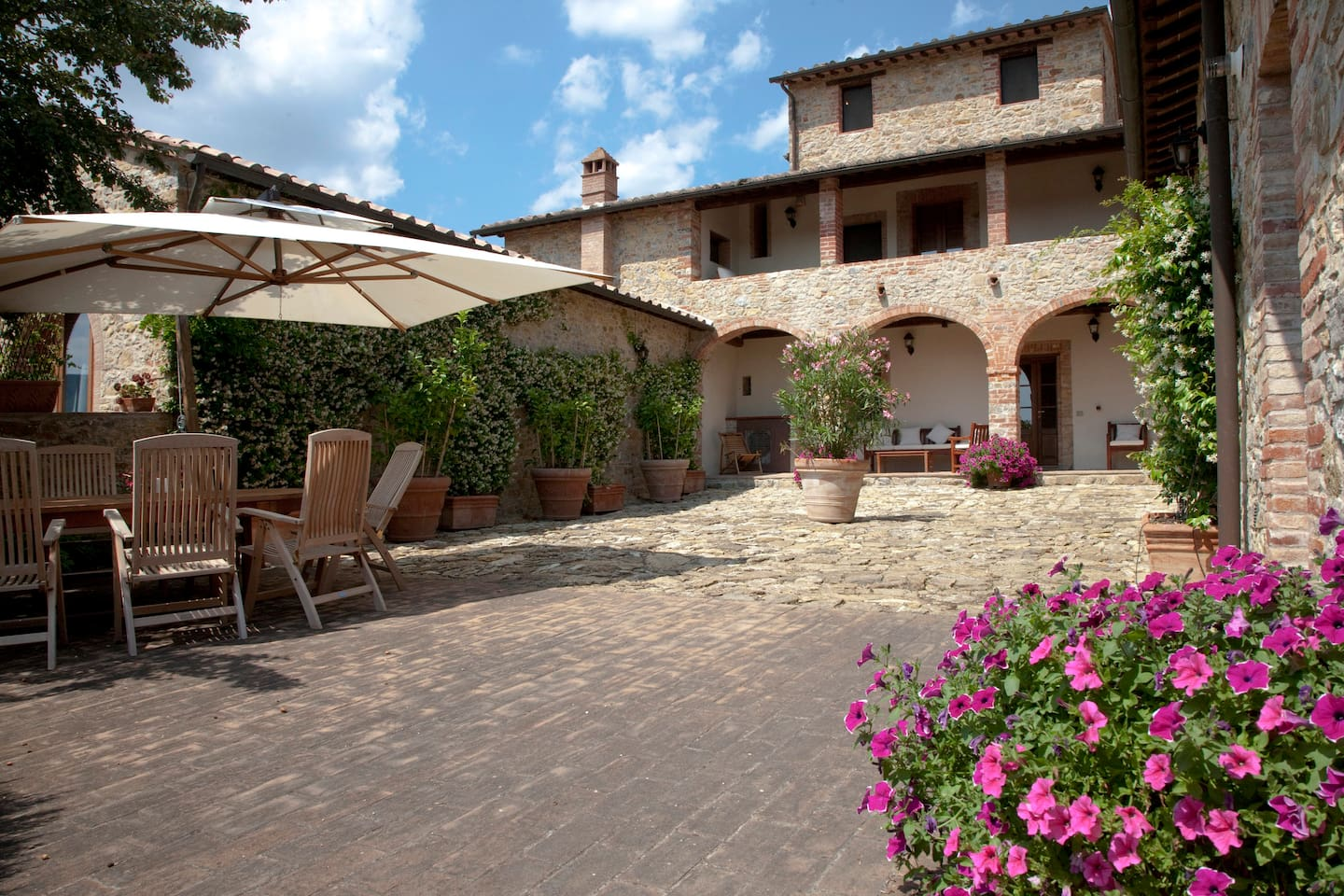 Casale Fornaci from Private Courtyard