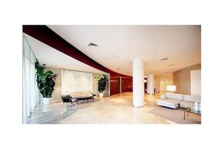 Luxury Modern Bal Harbour 1bdr  - Bal Harbour - アパート