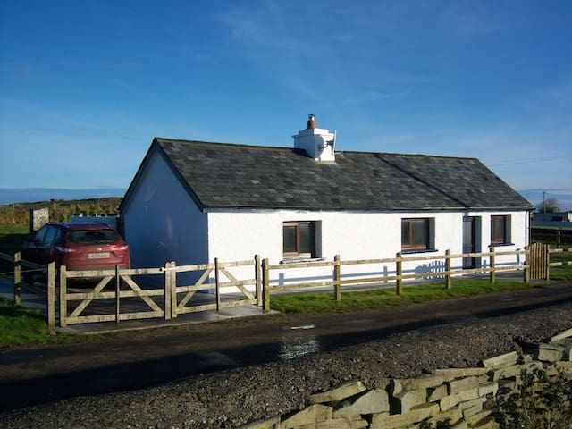 The Cottage, Kilcummin - Carrowmore Lacken - House