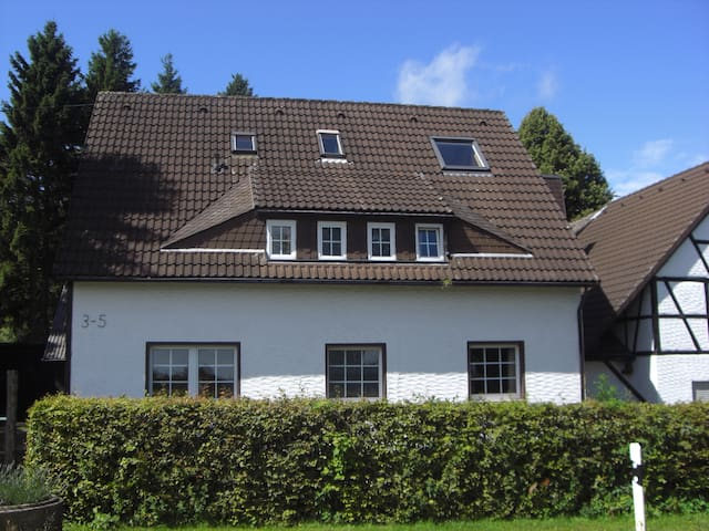 Cosy Apartment in beautiful nature - Hellenthal - Bed & Breakfast