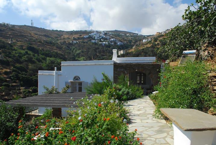 Gardenhouse privacy nature sea view - Triantaros - Huis