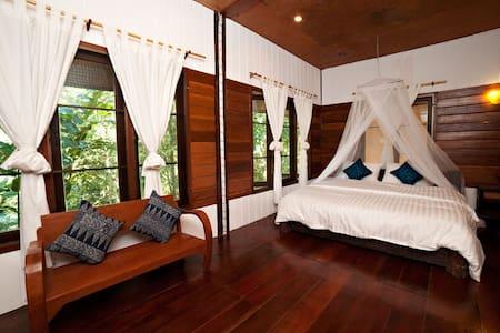 Spacious River Room Near Chiang Mai - Mae Wang - Bed & Breakfast