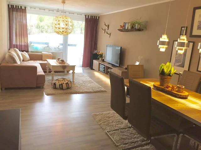 Renovierte 3-Zimmer-Wohnung m. Großem Balkon
