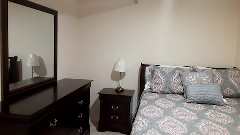 Brand new room, Queens, NY 5-10min from LGA. #2
