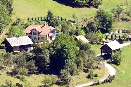 Farm in the middle of nature -B&B Weiss - Miklavž pri Taboru - Гестхаус