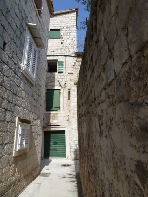 centuries are gone, trogir remains