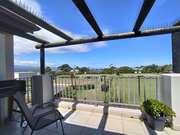 Chantelle's Spacious Apartment   Views + Balcony + Braai   Estate Pool   WIFI