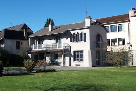 Pleasant house in Bearn, France - Moumour - Rumah