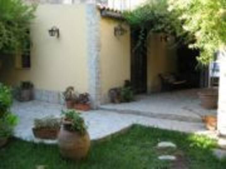 Villa Palma- Studio apartment with garden