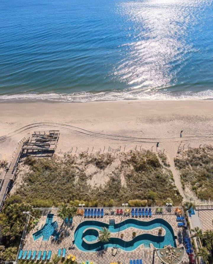 Wyndham Towers in the Grove Beach getaway