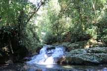 Primeira queda da Cachoeira Rio das Pedras - Camburi