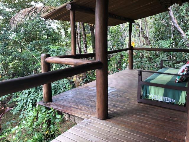 Casa da floresta dentro de condomínio