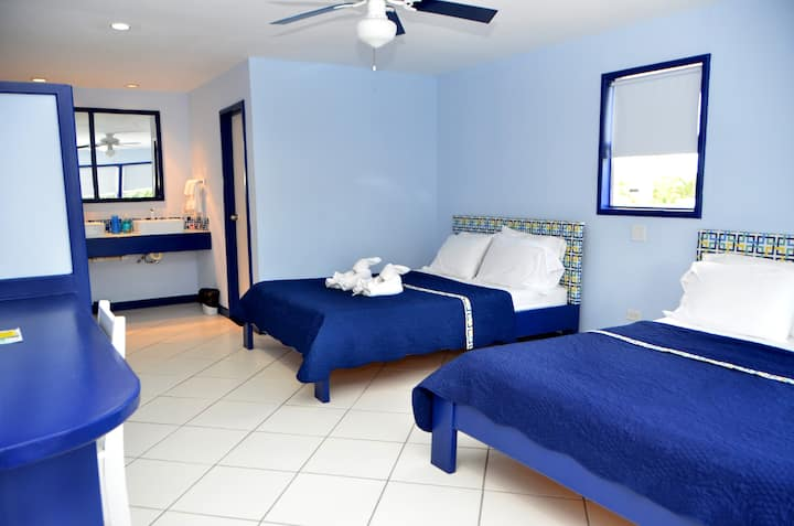Suite #2 - SailFish Resort - $74 night 1/10 - 1/27