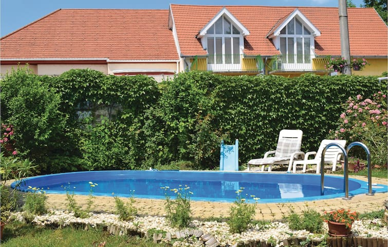 Holiday cottage with 4 bedrooms on 140m² in Siófok