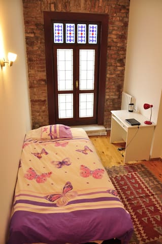 Private room with balcony in shared flat