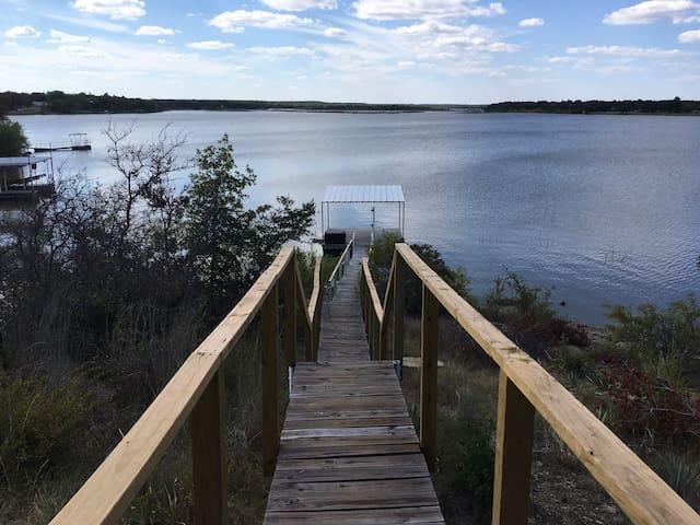 Hideaway at the Lake