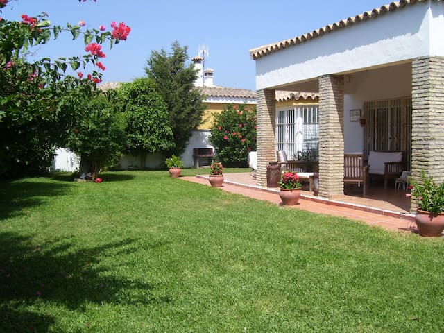 Quiet vacation house at the country side - Conil de la Frontera - Huis