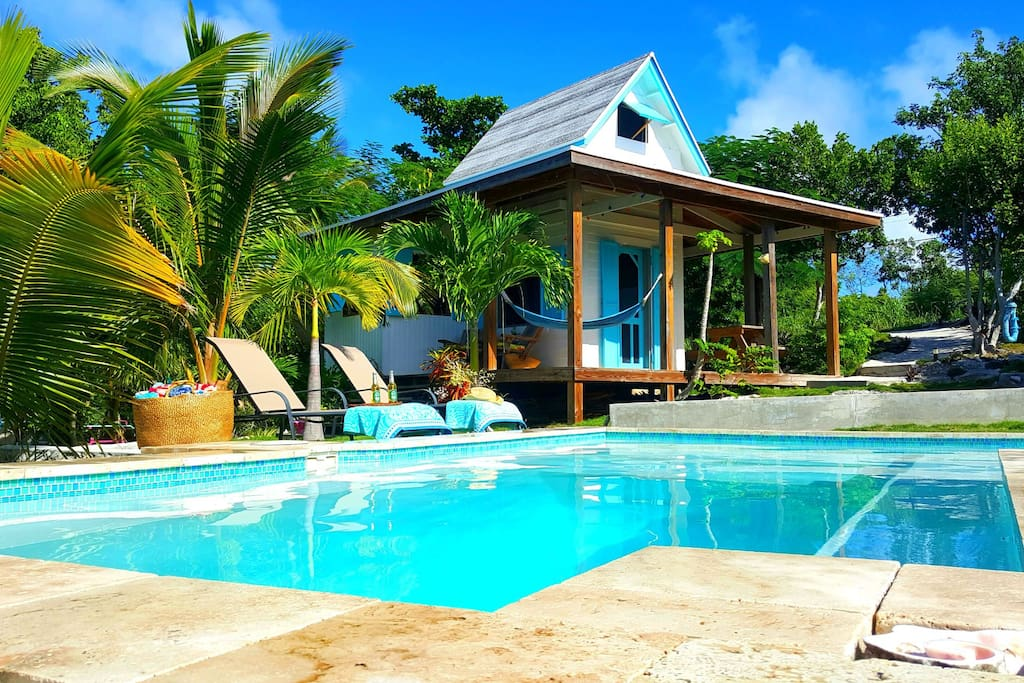 Waterfront Pool Tamarind Tree Cottage Cottages For Rent In Gregory Town North Eleuthera