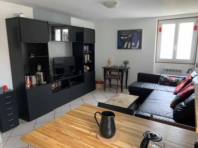 Appartement 3 pièces dans le centre de Maurecourt
