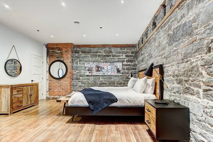 Rustic New Loft w/King Bed + cozy park Old Mtl