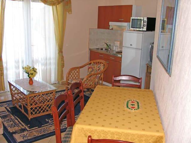 Apartment A12 for 4 in Vila Palma   - Tkon - 公寓