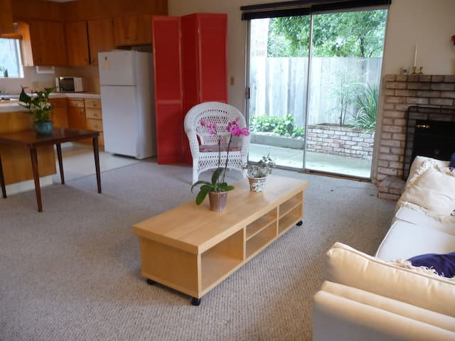 Lovely Studio, walk to Lovers Point  Lic#0367 - Pacific Grove - Lejlighed