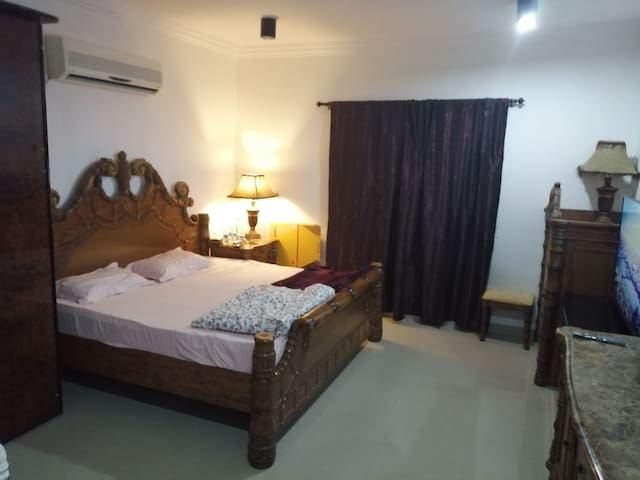 Executive bachelor accommodation in a  Villa