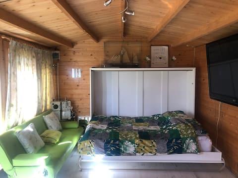 Kerry's garden cabin