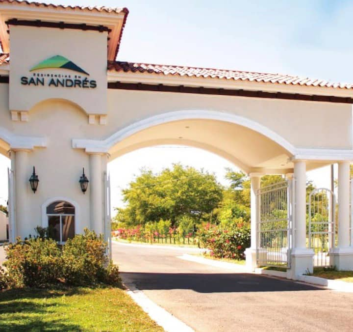 San Andres, full equipped house, quality