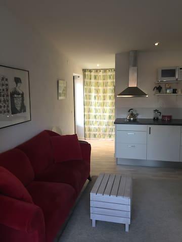 Cozy studio annex in a calm neighborhood - Malmö