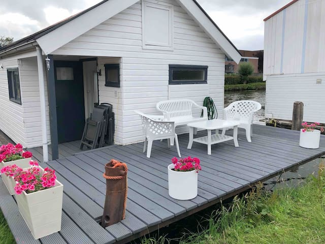 Recreatie Ark / Hausboot / Houseboat in Friesland